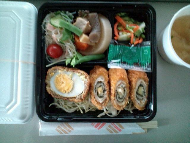 紫蘇チーズカツ弁当(飯田橋/<br />  おふくろ弁当)