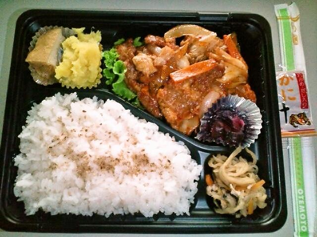 豚キムチ弁当(飯田橋/お母さんの手作り弁当)