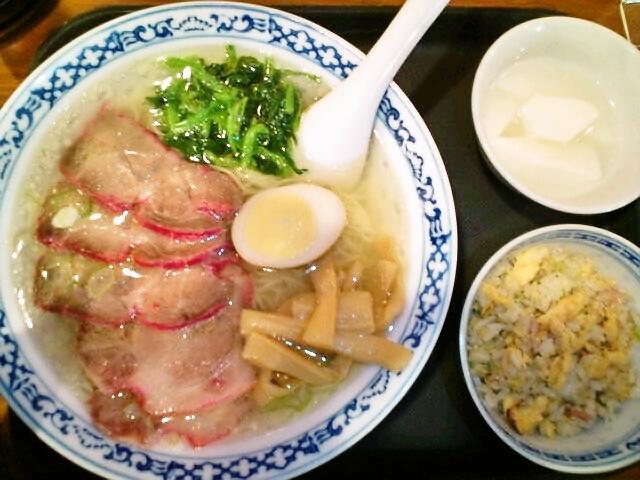 ランチセット(チャーシューメン細麺塩味・炒飯・杏仁豆腐)・もち米肉団子(水道橋/揚州商人)