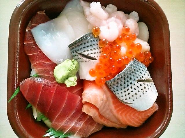 海鮮丼・ネタ大盛(神保町/丼丸)