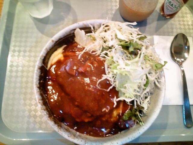 ふわふわたまごのオムハンバーグ丼(神保町/カフェ・マネキヤ)