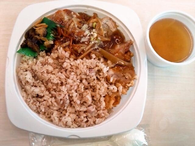 あんかけ豚めし・味噌汁(飯田橋/咲)